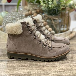 🆕 Sorel Harlow Lace Cozy Winter Boots